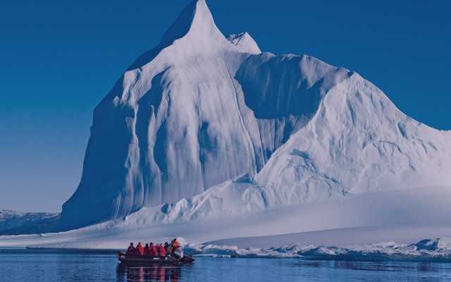 Luxury cruises to antarctica with wildfoot travel for Can anyone visit antarctica