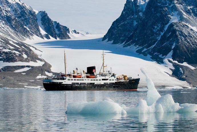 Spitsbergen Trekking and Cruise Expedition 9 days