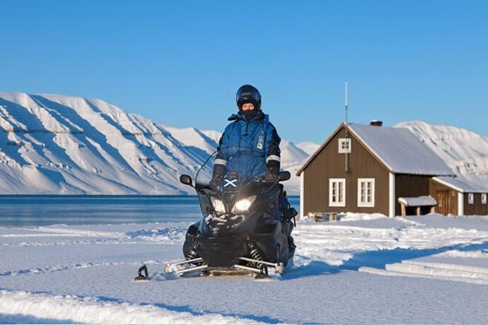 Spitsbergen Snowmobile Safari 5 days