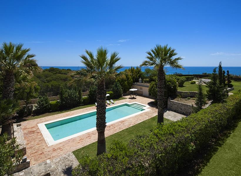 Central Algarve villa