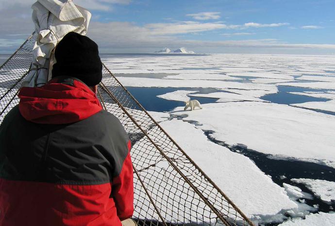 Central Spitsbergen & Aurora by Sailing Ship 8 days