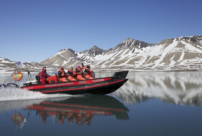 Magic of the Arctic Boat Safari 3 Days