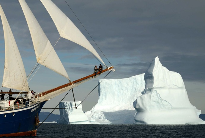 Spitsbergen to Greenland by Sailing Ship 19 days