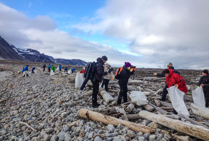 North Spitsbergen – Activities & Cleaning the Shores Special 8 Days