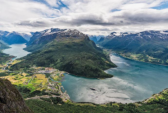 Luxury Norwegian Fjords to Spitsbergen via Bear Island - 12 days